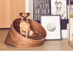 mooie ronde hondenmand van hout 1